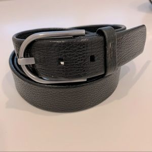 Tumi pebbled leather black belt silver buckle
